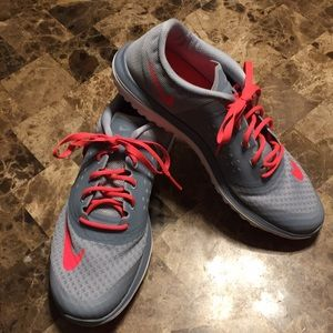 Nike Fit sole lite gray and pink new never worn